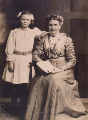 Victoria Laue with her mother