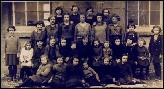 Dunsford Girls 1935